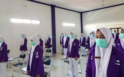 Prodi Kebidanan Kampus Ungu Laksanakan Yudisium