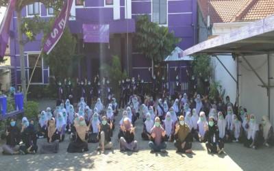 Puluhan Mahasiswa Baru Kampus Ungu Ikuti Sekolah Menulis ICsada (SeMIC)
